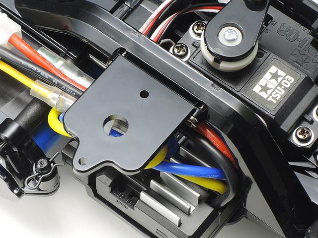 画像: ▲タミヤグランプリなどのレース時に使われるトランスポンダーの取付けホルダーも付属。