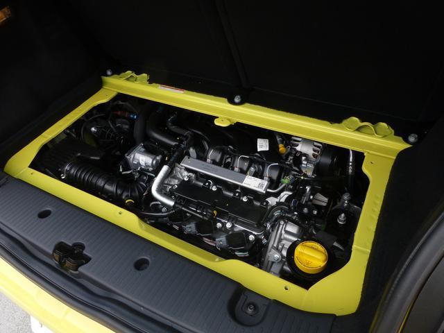 画像: ▲トゥインゴ ゼン MTに搭載されるH4D型1L自然吸気エンジン。リアエンジン・リア駆動なので、エンジンは荷室スペースの下に搭載されている。