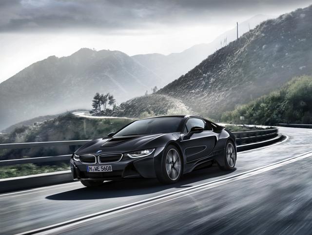画像1: 【限定モデル】BMW i8 Protonic Dark Silverは圧倒的な存在感のスーパースポーツ
