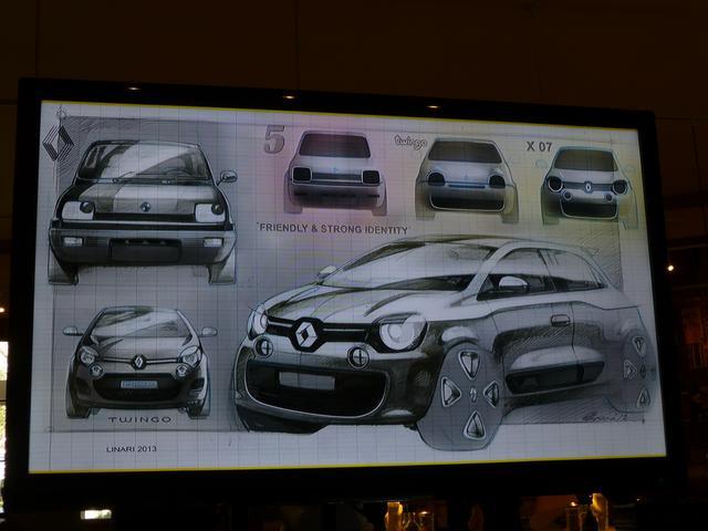 画像: ▲現行型トゥインゴはルノーの往年の名車「5(サンク)」のイメージを踏襲する。
