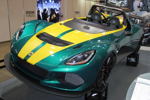 画像: 東京オートサロンの会場に展示されていたロータス 3-イレブンはロードバージョンで、タイトル写真はレースバージョン