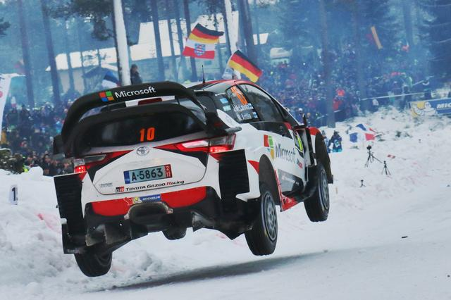 画像: 【ニュース】ラトバラ選手のヤリスWRCがラリースウェーデンでトップに浮上。残りあと1日