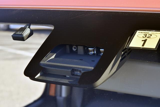 画像: デュアルセンサーブレーキサポートはセーフティパッケージ(5万9400円)のオプション。