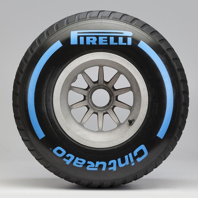 画像8: 【クルマニQ】【マニア編】ピレリのF1タイヤ、『ハード』と呼ばれるタイヤの色は?