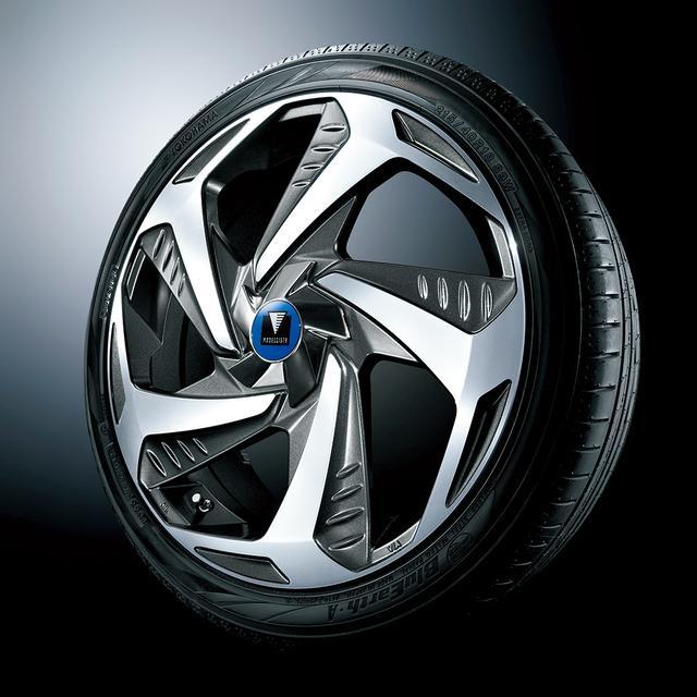 画像: 近未来的なデザインの18インチ アルミホイール『Wing Dancer Ⅶ』とヨコハマ BluEarth-A タイヤのセット。