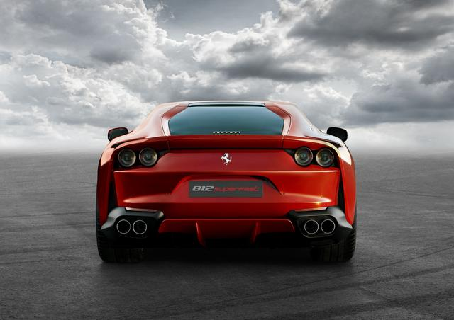 """画像4: 【ニューモデル】フェラーリの新型V12ベルリネッタ、""""812 Superfast""""が写真公開。現車はジュネーブに登場する"""