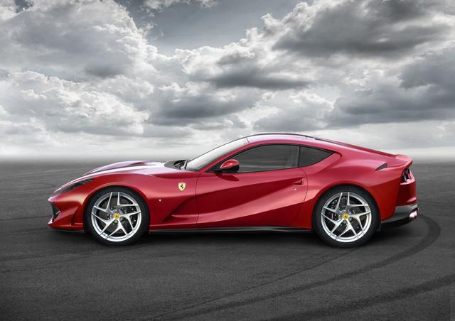 """画像2: 【ニューモデル】フェラーリの新型V12ベルリネッタ、""""812 Superfast""""が写真公開。現車はジュネーブに登場する"""