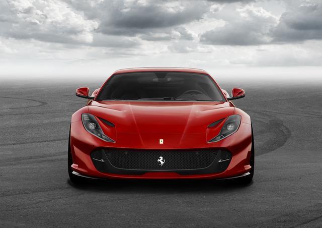 """画像3: 【ニューモデル】フェラーリの新型V12ベルリネッタ、""""812 Superfast""""が写真公開。現車はジュネーブに登場する"""
