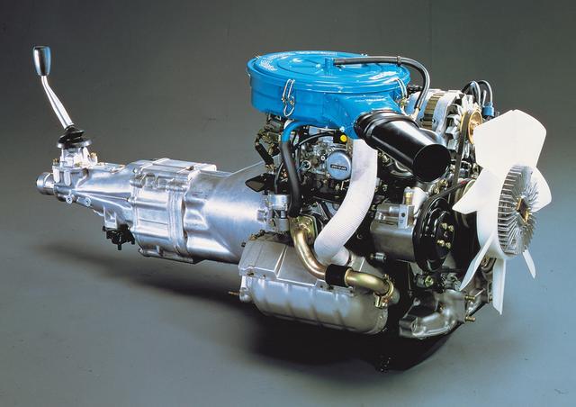 画像: 12型ロータリーエンジンは130馬力を発生。天井知らずに回る独特の吹け上がりが魅力だった。