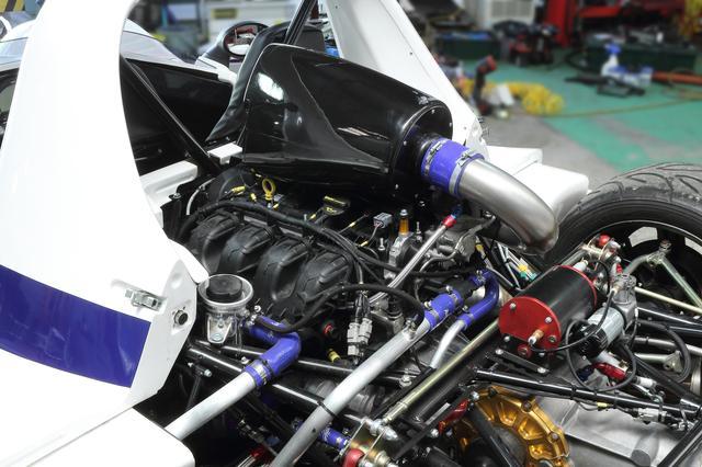 画像: フォード製の2L直4DOHCターボエンジンに6速ドグミッションを組み合わせる。