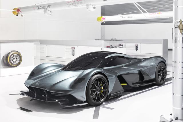 画像: アストンマーティンのスーパースポーツカー、AM-RB 001はコスワース製のエンジンを搭載する。