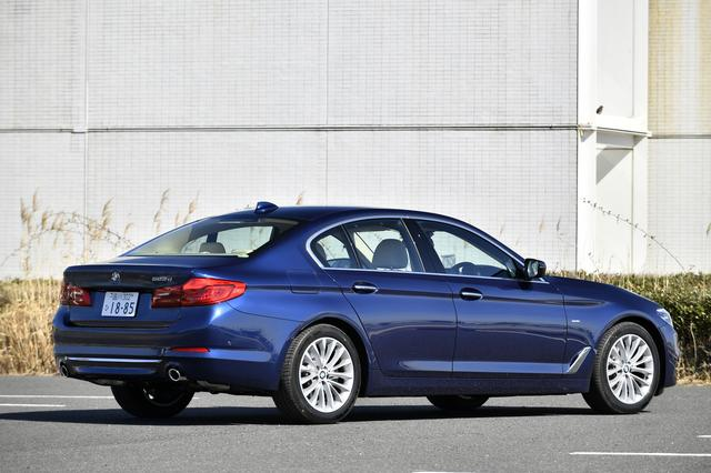 画像: リアコンビランプやサイドウインドーの形状など、BMWのアイデンティティを踏襲。
