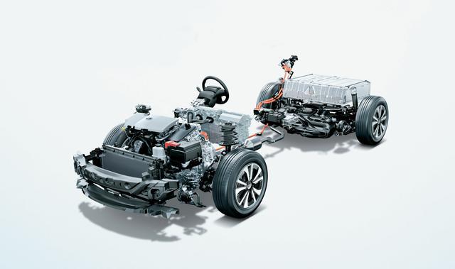 画像4: 【試乗】新型プリウスPHV〜2モーターで力強く、EV走行距離もグーンと伸びた!