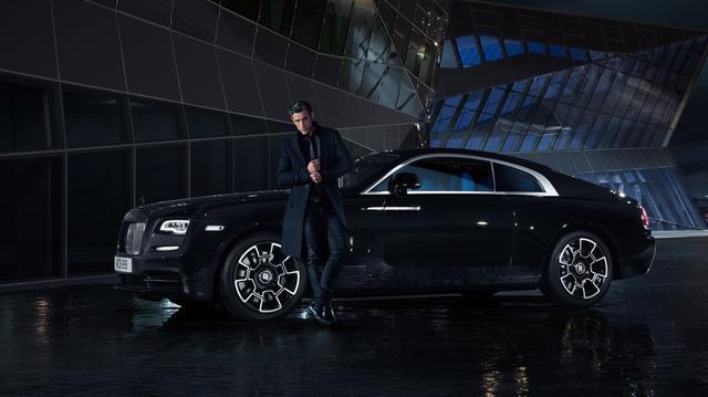 画像: 「ブラックバッジ」は、レイス(写真)とゴーストに設定される特別仕様車。マーブルブラックをメインカラーに仕立てられたたたずまいが、妖しい色気を放ってみせる。