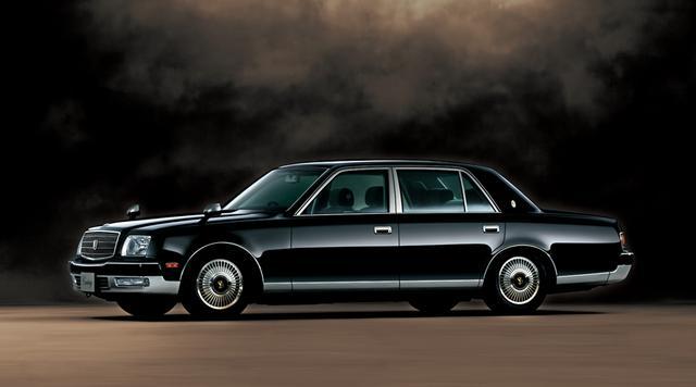 画像1: 【クルマニQ】【マニア級編】現在販売されている日本車のなかで気筒の数が一番多いのは何気筒エンジン?