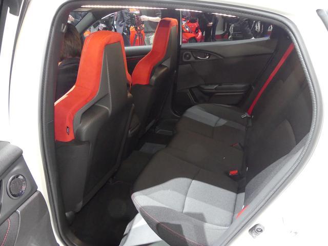 画像: リアサスはマルチリンク式を採用。コンフォートモードを追加したことで、後席の居住性も高くなっていると予想される。