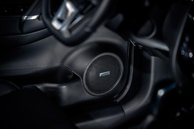 画像: オプションとして 7スピーカーの Boseプレミアムサウンドシステムも新たに設定された。