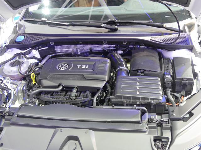 画像: ガソリン仕様のTSI、ディーゼル仕様のTDI ともに3タイプずつが用意される。