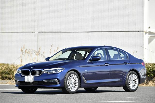 画像: 試乗車は最新のディーゼルターボエンジンを搭載したBMW523d Luxury。躍動感あふれるフォルムは、新型BMW5シリーズの真骨頂。全長4945mm×全幅1870mm×全高1480mm。