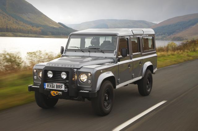 画像2: 【クルマニQ】【初級編】約70年も前に完成し、21世紀に入っても製造され続けた本格4WD車は?