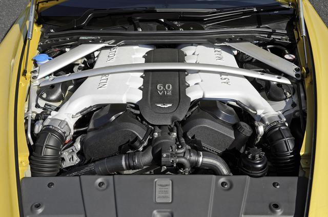 画像: 今や貴重な自然吸気の6L V12DOHCは、573ps/620Nmを発生。組み合わされるミッションは7速AMT。