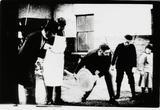 画像: J.B.ダンロップが最初に作った空気入りタイヤとその実験風景(いずれも当時を復元したもの)。