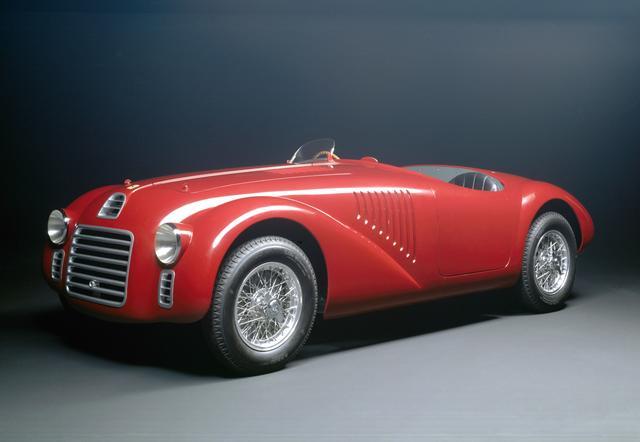 画像: 1947年に登場したフェラーリ1号車の125S。動力性能もさることながら、その美しさにも感動を覚える。
