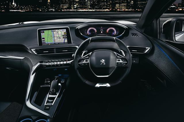 画像: 12.3インチデジタルディスプレイの他に、8インチのタッチスクリーンを搭載。
