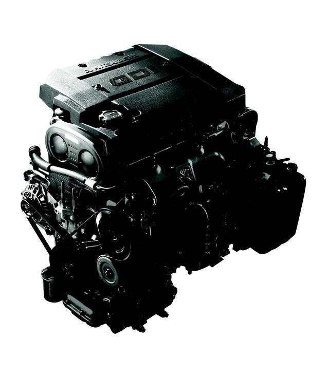画像: シリンダー内に直接ガソリンを噴射させる直噴エンジン。1996年に三菱ギャランに搭載されたGDIエンジンはその走りだった。