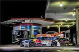 画像: KeePer TOM'S LC500の後ろには、デコトラに積まれた街道レーサー…?(Kunihisa Kobayashi / Red Bull Content Pool)