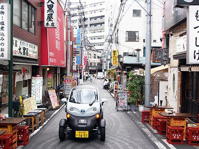 画像: 横浜の狭い路地などでの移動に便利な日産ニューモビリティコンセプト。