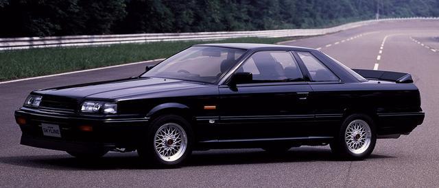 画像: 1987年8月、R31型スカイラインはマイナーチェンジを実施。それと同時に発表されたのが、当時のグループAレースのホモロゲーションモデルであるGTS-R。その生産台数、わずか800台。外観ではフロントオートスポイラーの固定化、大型のリアスポイラーの装着、BBSホイールの標準装備などが特徴だった。