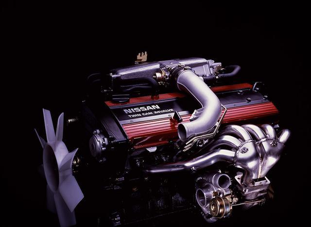 画像: 搭載されたRB20DET-Rエンジンは、ギャレット社製T04タービンやステンレス製の等長エキゾーストマニフォールドを採用。最高出力は210ps、最大トルクは25.0kgmまで強化されていた。もっとも、そのぶん低速域のレスポンスは犠牲にされており、いかにもグループAのホモロゲモデルらしい「ドッカン・ターボ」だった。