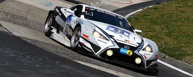 画像: akebonoとしてニュルに初めてブレーキを供給したのは2006年、ポルシェGT3だったという(2位表彰台を獲得している)。2010年からはGAZOO Racing 「LEXUS LFA」をサポート。第45回となる2017年は「LEXUS RC」にキャリパー、パッドを供給する。(写真は2015年型 LEXUS LFA Code X)