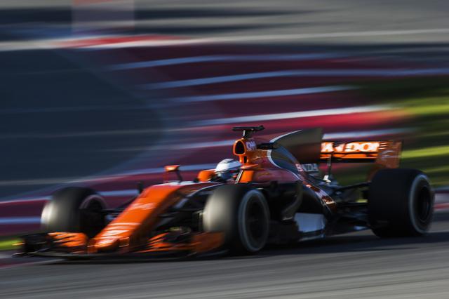 画像: McLaren-Honda (マクラーレン・ホンダ)の2017年モデル「MCL32」に、ブレーキキャリパー、マスターシリンダー、ブレーキバイワイヤ油圧ユニットを供給する。(写真はバルセロナでのテストシーン)
