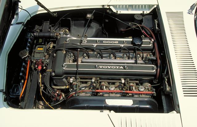 画像: クラウンに搭載されていた2リッター直6のM型をヤマハがDOHC化して搭載。