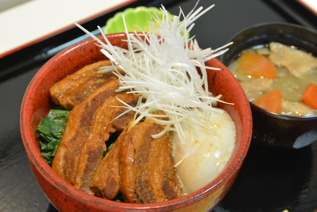 画像: 高坂SA(上り)「よりいポークのとろける角煮丼」