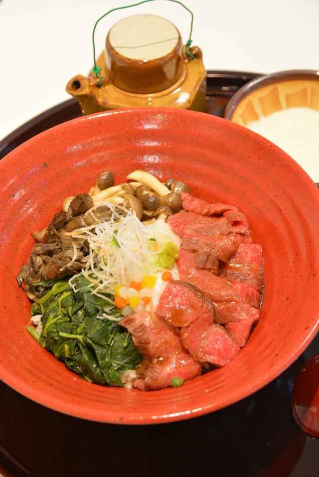 画像: 準グランプリ、横川SA(上り)「上州牛 三度の肉めし」