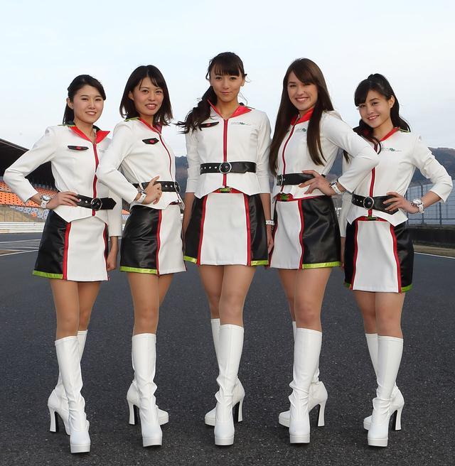 画像: 左より、小宮麻友(こみやまゆ)さん、津田友美(つだともみ)さん、上田綾(うえだあや)さん、オリビアさん、廣原佳乃(ひろはらよしの)さん