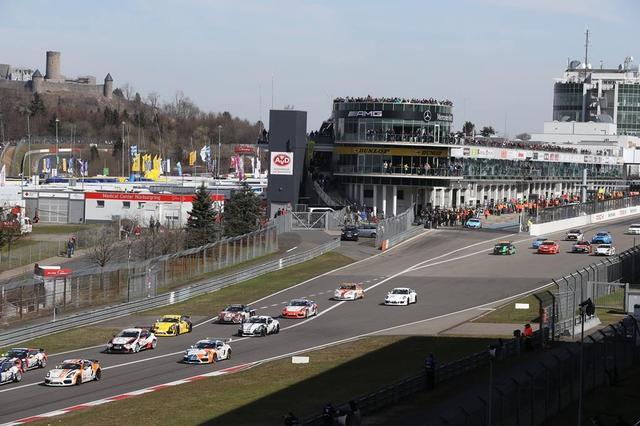 画像: ニュルブルクリンク24時間レースを前に行われたVLN1。レクサスRC200tは2LターボのSP3Tクラスで参戦。