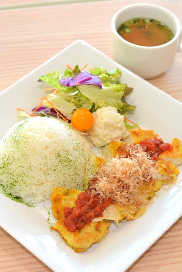 画像: 静岡の食材をイタリア料理のピカタでいただく「牧之原プレート 彩」(1280円)。