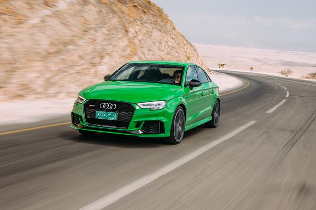 画像: RS3セダン。中東・オマーンでRS3の国際試乗会が開催された。ドライバーは河村康彦氏。