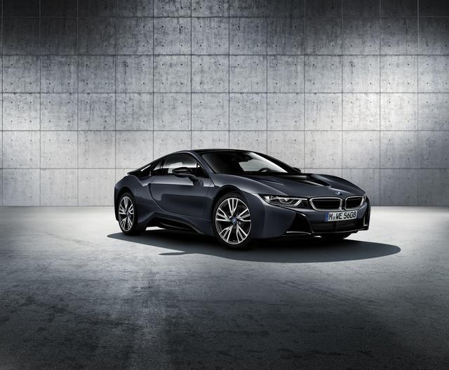 画像1: BMW i8 プロトニック フローズン ブラック