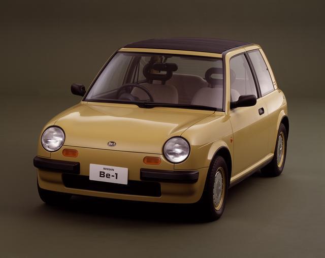 画像: 1985年の第26回東京モーターショーに参考出品された日産パイクカー戦略第1弾がBe-1。圧倒的な支持を得て1987年に限定1万台で発売、瞬く間に売り切れた。マーチをベースに開発された。