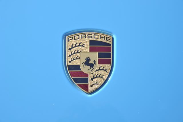 画像: ポルシェのエンブレムは、本拠地であるシュトゥットガルト市の紋章がベースになっている。