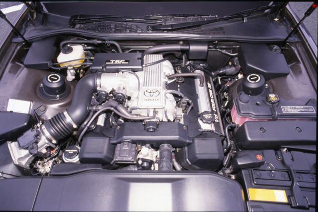 画像: V8・4Lの1UZ-FEは最高出力 260ps、最大トルク 36.0kgmを発生。
