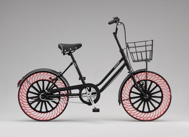 画像: 4月30日(日)に福岡県久留米市、6月4日(日)に横浜市で開催するイベント「ブリヂストン×オリンピック×パラリンピック a GO GO!」などで、「エアフリーコンセプト」を用いたタイヤを装着した自転車の試乗会を行っていく予定だという。