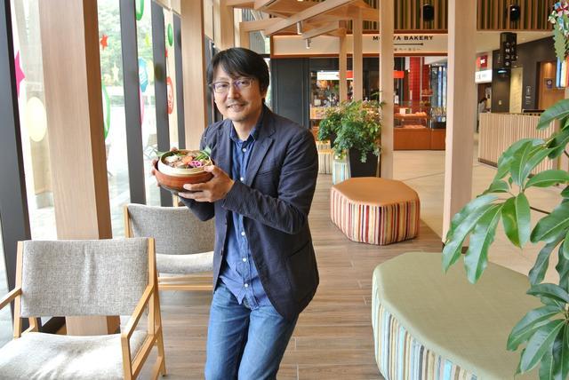 画像: レポートは、モータージャーナリストの鈴木ケンイチ氏。今後も全国のグルメを紹介していきます。