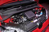 画像: エンジンやトランスミッションは3モデル共通の1L 直3。トランスミッションは5速AMTと変わっていない。