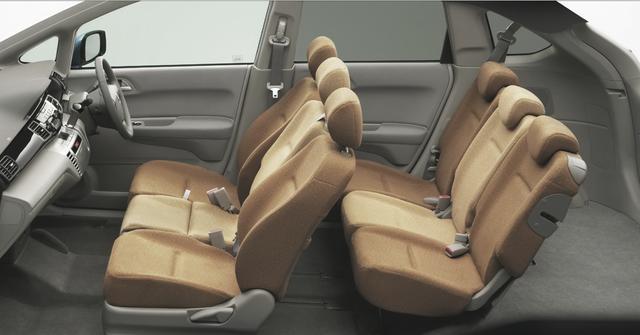 画像: エディックスは前席・後席ともに 3人掛けという、変わったシートレイアウトでした。